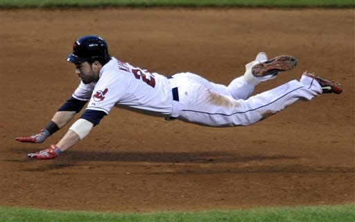 Bourn, big first inning pace Indians to 8-7 win