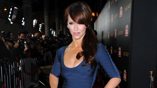 Jennifer Love Hewitt Lactates Through Jumpsuit and Tweets About It