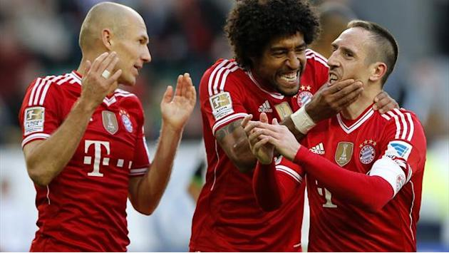Bundesliga - Bayern put six past sorry Wolfsburg