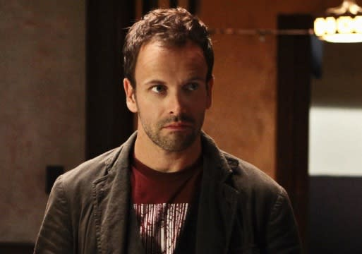 Exclusive: Elementary's Super Bowl Episode Drafts Oz Alum as Big Bad