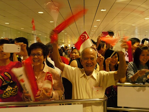 Singapore paddlers welcomed home
