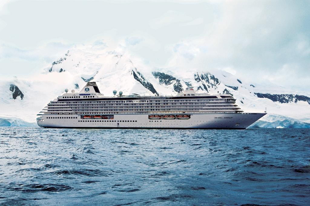 Giant cruise ship heads to Arctic on pioneering journey