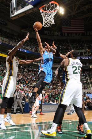Westbrook, Durant lead Thunder over Jazz 90-80