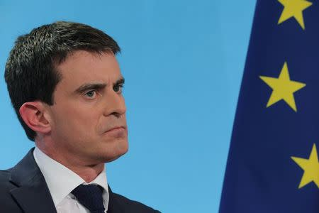 Unions turn lights off on French prime minister