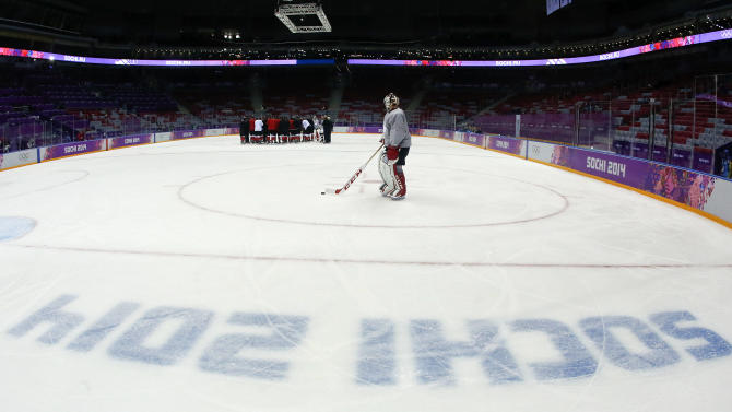 Goalie Carey Price to start a 2nd game for Canada