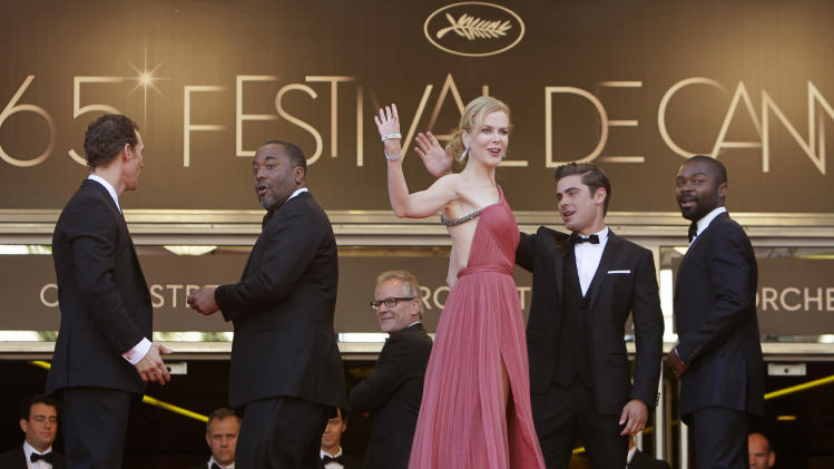From left, actors Matthew McConaughey, director Lee Daniels, actors Nicole Kidman, Zac Efron and David Oyelowo arrive for the screening of The Paperboy at the 65th international film festival, in Cannes, southern France, Thursday, May 24, 2012. (AP Photo/Francois Mori)