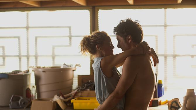 """This image released by Focus Features shows Kate Hudson, left, and Zach Braff in """"Wish I Was Here."""" (AP Photo/Focus Features, Merie Weismiller Wallace)"""