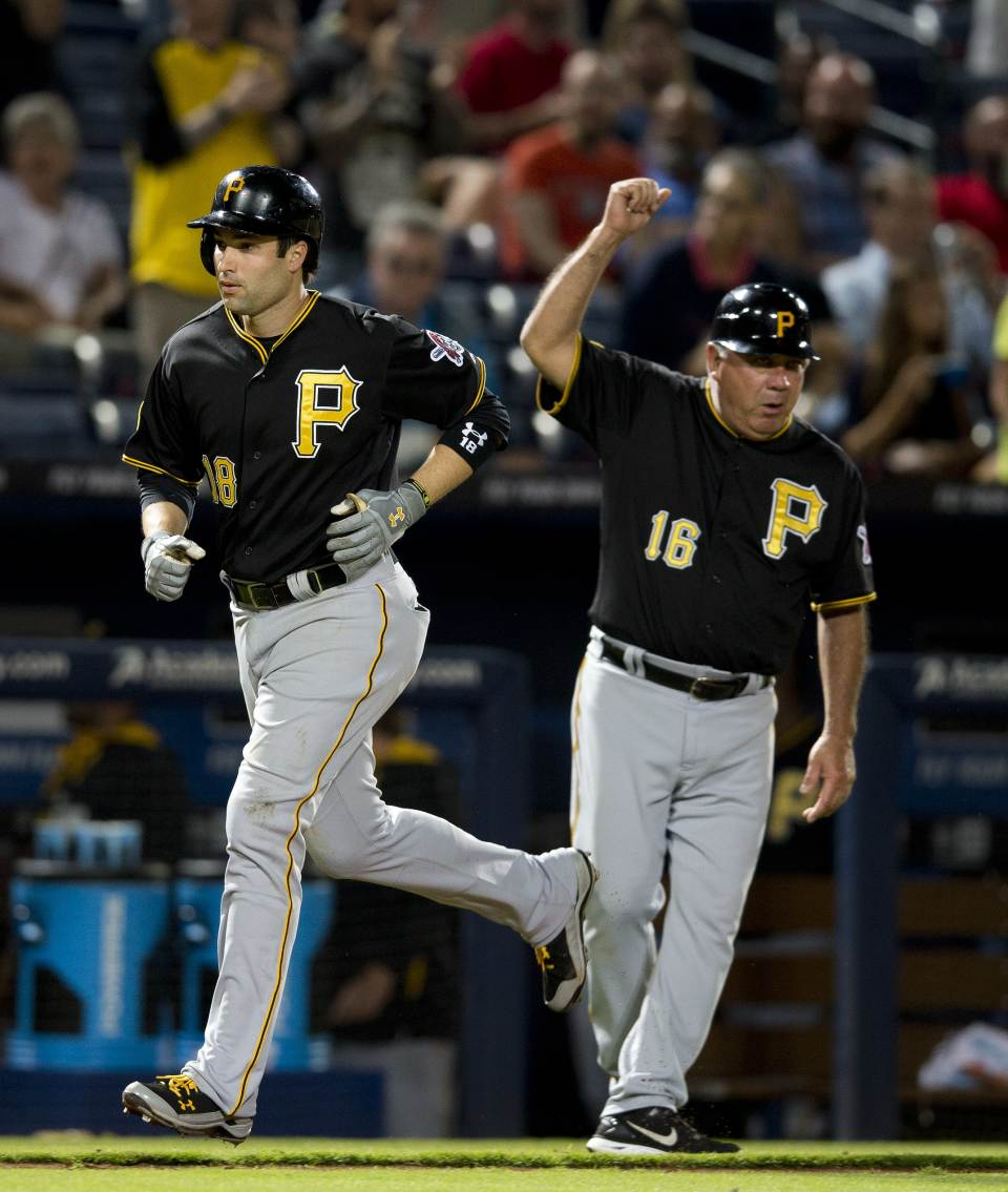 Pirates rip Braves 10-1, cut Cards' lead to 1 game