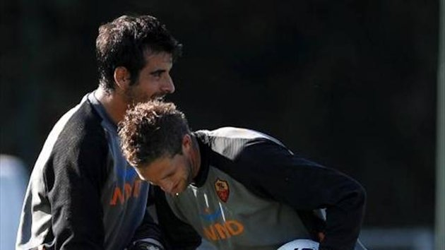 Gianluca Curci with former team mate Maarten Stekelenburg (Imago)