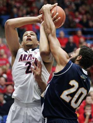 No. 9 Arizona beats up on NAU 93-50