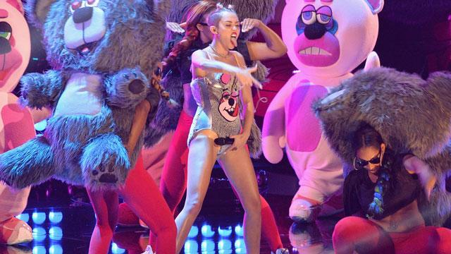 Miley, Gaga, Timberlake and Macklemore rock VMAs