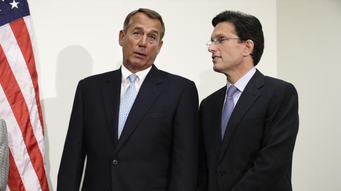 White House, Congress talk as 'fiscal cliff' nears