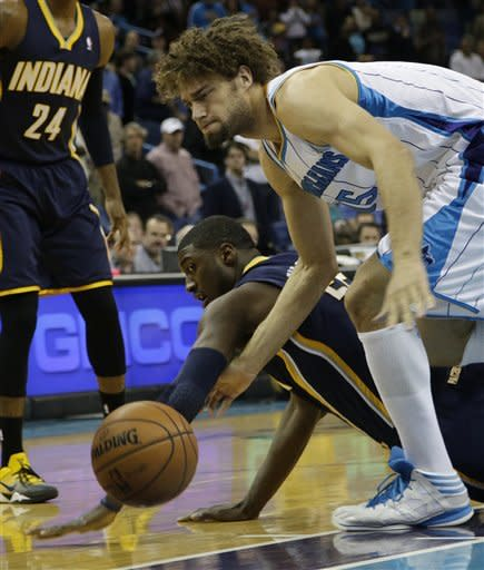 Pacers rally to beat Hornets