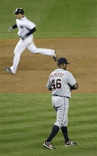 Jeter hurt, Young stars as Tigers win ALCS opener