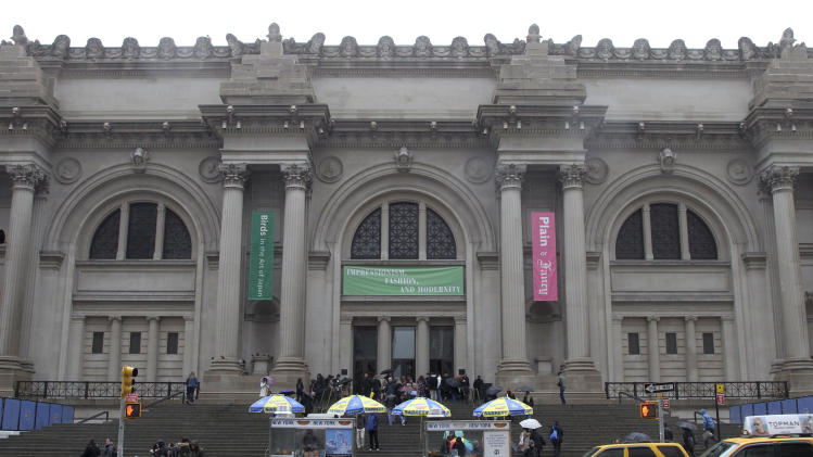 FILE - This March 19, 2013 file photo showsthe exterior of the Metropolitan Museum of Art in New York. The museum announced Tuesday, April 9, 2013 cosmetics executive and philanthropist Leonard Lauder has pledged his renowned collection of Cubist works. (AP Photo/Mary Altaffer, File)