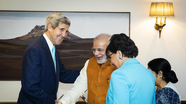 U.S. Secretary of State Kerry and Indian PM Modi meet with U.S. Secretary of Commerce Pritzker and Indian External Affairs Minister Swaraj in New Delhi