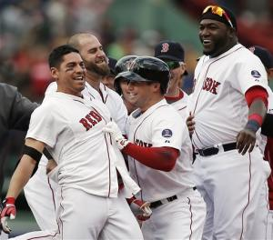 Red Sox rally for 4 in 9th, beat Indians 6-5