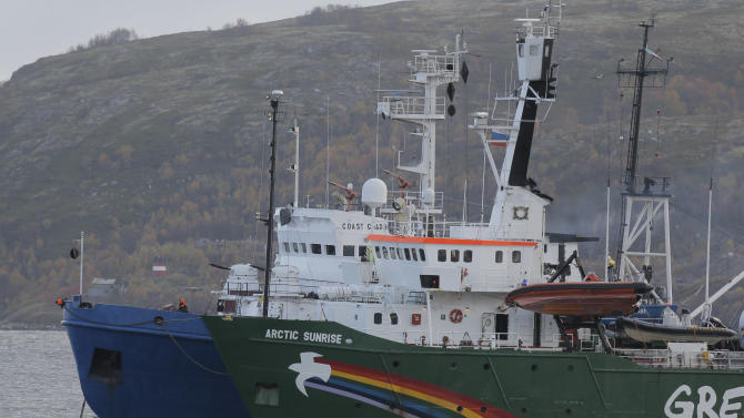 Russia to file piracy charges against Greenpeace
