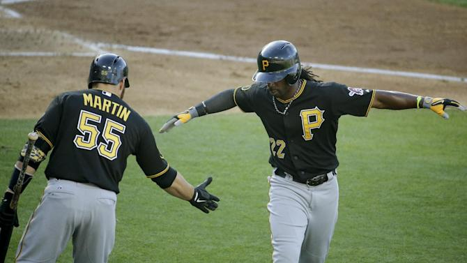 McCutchen leads Pirates to 5-3 win over Dodgers