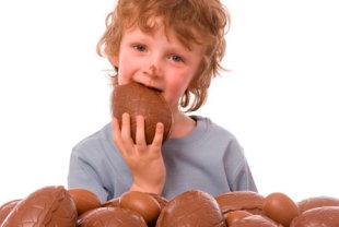 愛爾蘭研究顯示,吃巧克力有助於降低中風風險。(圖片/取材自《每日郵報》網站)