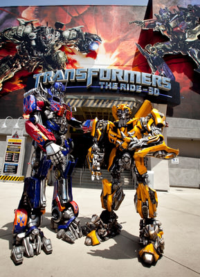 """OPTIMUS PRIME and MEGATRON """"Roll Out"""" the Red Carpet for Universal Studios Hollywood's First-Ever 'TRANSFORMERS Fan Experience' Featuring th..."""