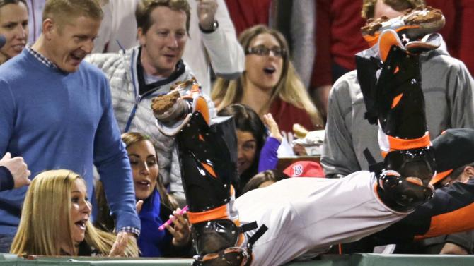 Bogaerts' single in 9th lifts Red Sox over Orioles 3-2