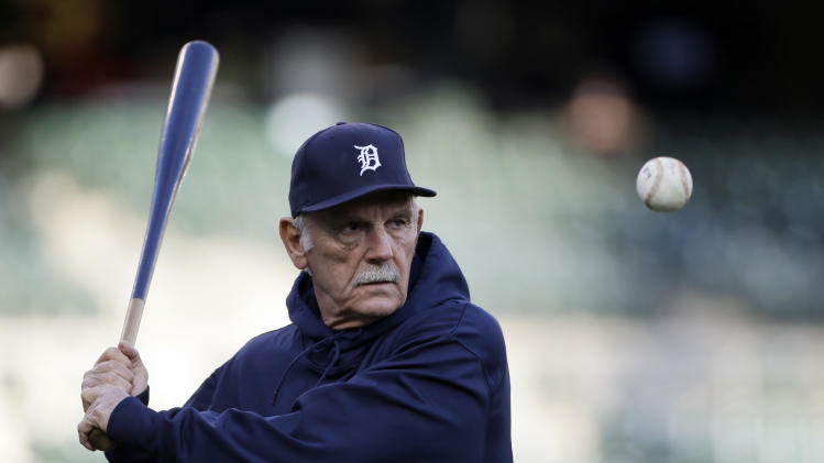Detroit Tigers manager Jim Leyland hits fielding practice before Game 3 of baseball's World Series against the San Francisco Giants Saturday, Oct. 27, 2012, in Detroit. (AP Photo/Matt Slocum)