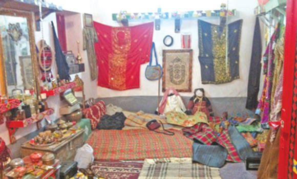 Onaiza man turns house into museum