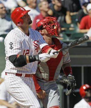 Pierzynski HRs for 5th straight game, leads ChiSox