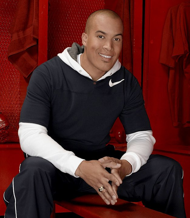 Coby Bell stars as Jason in The Game on The CW. 