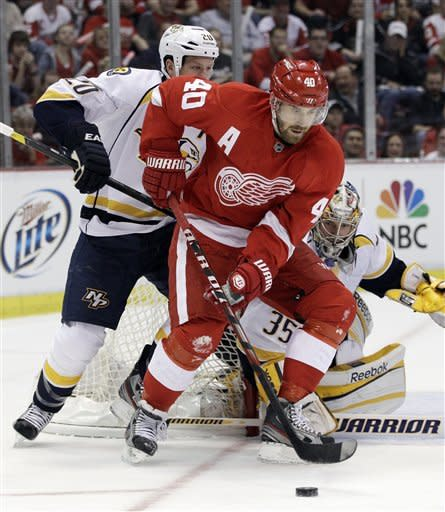 Predators beat Red Wings 3-2, take 2-1 series lead