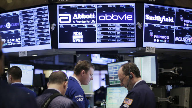 US stocks waver in midday trading