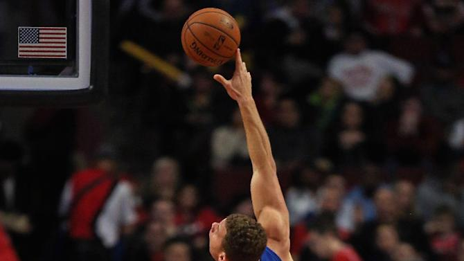 Griffin's double-double leads Clippers past Bulls