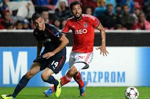 Man Utd steps up Garay talks