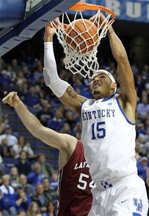 No. 3 Kentucky rolls past Lafayette in home opener