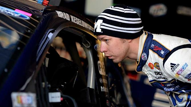 Keselowski uses adversity to fuel top-10 run
