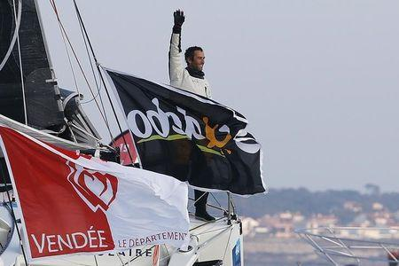 Le Cleac'h holds off Briton Thomson to keep Vendee Globe in France