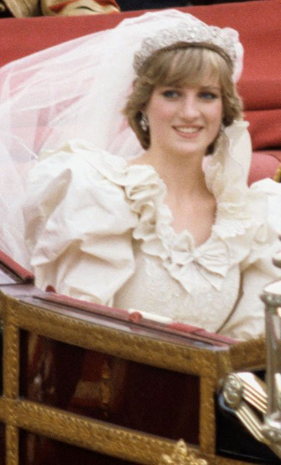 Prince-Charles-and-Princess-Diana-on-their-wedding-day7
