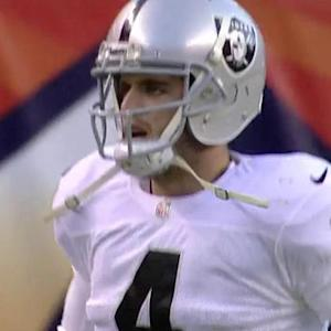 Oakland Raiders quarterback Derek Carr 1-yard touchdown pass