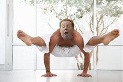 Harry Redknapp tries yoga