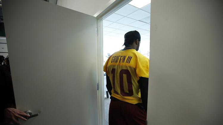 Bingo, RG3's benching: 10 awkward Redskins moments