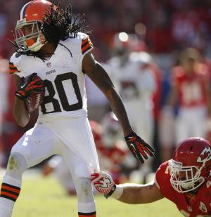 Browns WR Travis Benjamin tears knee ligament