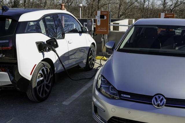 Can Electric-Car Fast Charging Be Profitable? Answer: Unclear