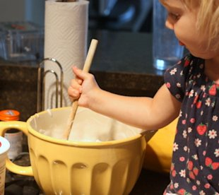 5 ways to get your kids involved in the kitchen