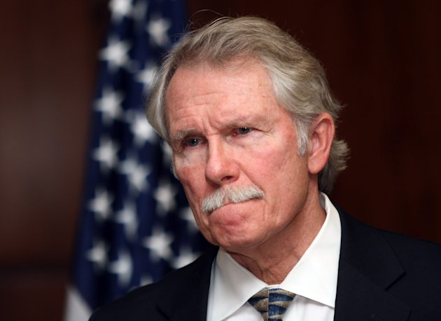 Oregon Gov. John Kitzhaber pauses while announcing in Salem, Ore., Tuesday, Nov. 22, 2011, that the execution of convicted killer Gary Haugen will not go on as scheduled next month and no more executions will happen while he is in office. (AP Photo/Don Ryan)