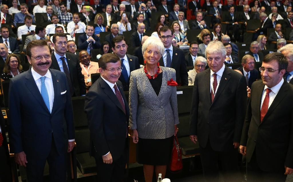 G20 vows to boost fragile growth, nudges China on currency