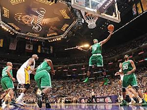 Rondo's long reach pulls Finals even
