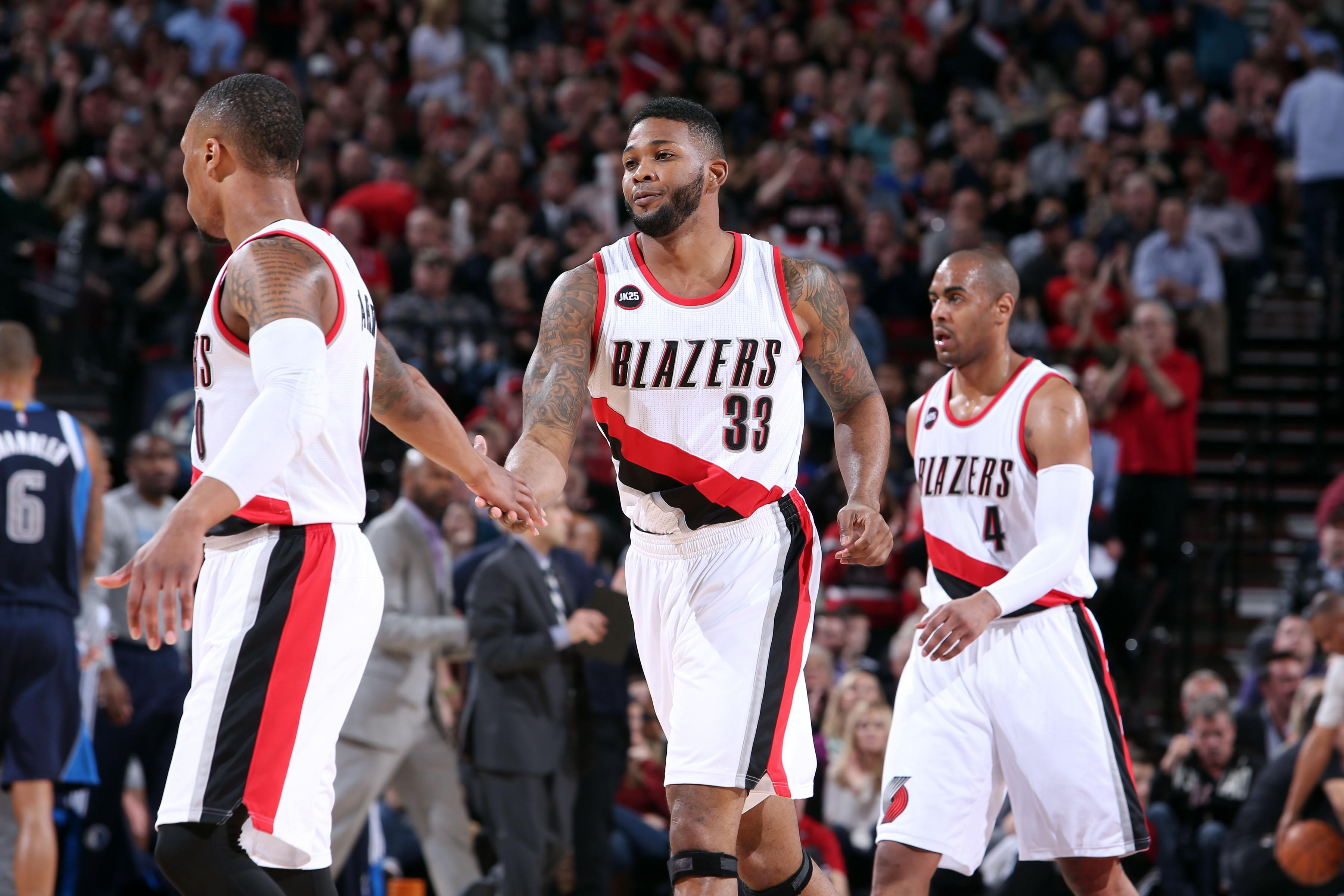 Blazers win fifth straight with 94-75 victory over Mavericks