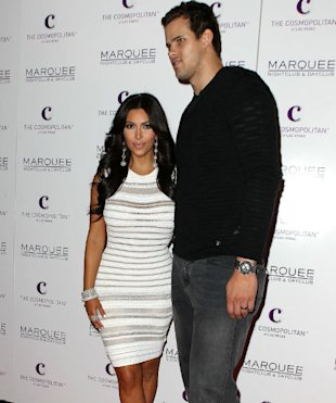 Kim Kardashian Offers To Make 'Public Apology' To Kris Humphries Following Divorce Settlement