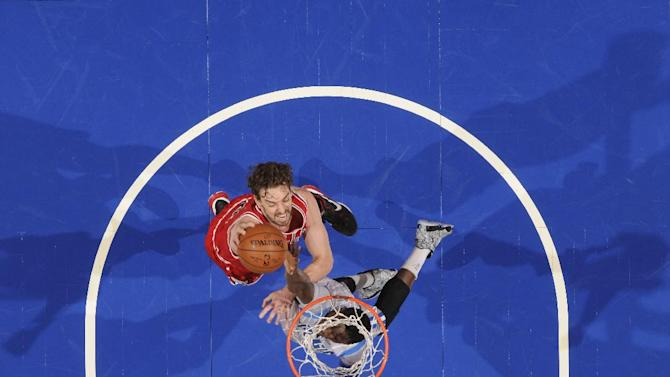 Gasol's late dunk lifts Bulls to 98-97 victory over Magic